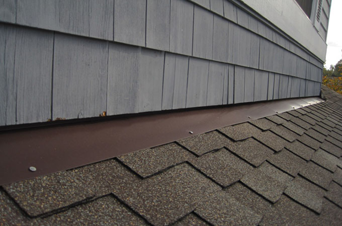 Inadequate roof flashing